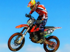 Flying Dirt Bike Stunts Puzzle